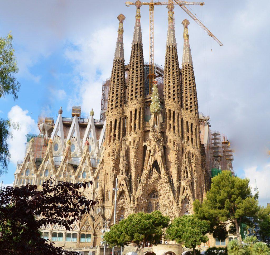 Barcelona, Sagrada Familia, elektryczny wózek, podróżowanie z wózkiem inwalidzkim, turystyka bez barier