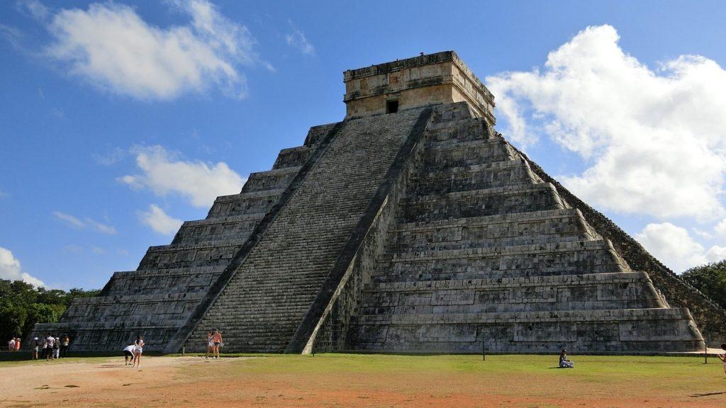 wózek elektryczny, Chichen Itza, Meksyk, turystyka bez barier, podróżowanie na wózku inwalidzkim