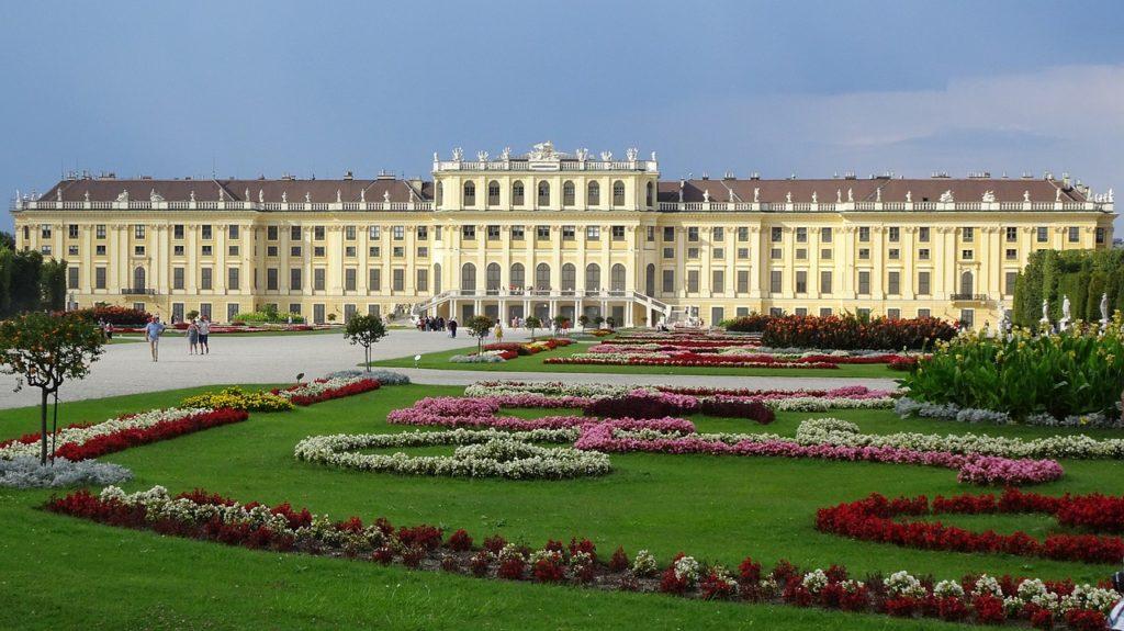Schönbrunn, Austria, Wiedeń, wózek elektryczny, turystyka bez barier, wózek inwalidzki, podróżowanie na wózku inwalidzkim